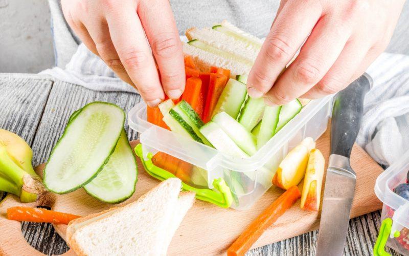 5 Quick Tips for Homeschool Lunch Ideas | Renee at Great Peace #homeschool #lunchideas #ihsnet #mealplanning