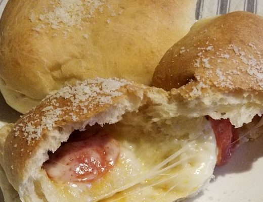 Pepperoni Rolls Recipe | Great Peace Living #mealplanning #dinnerideas #pepperonirolls #wvtraditions #recipe #pepperoni