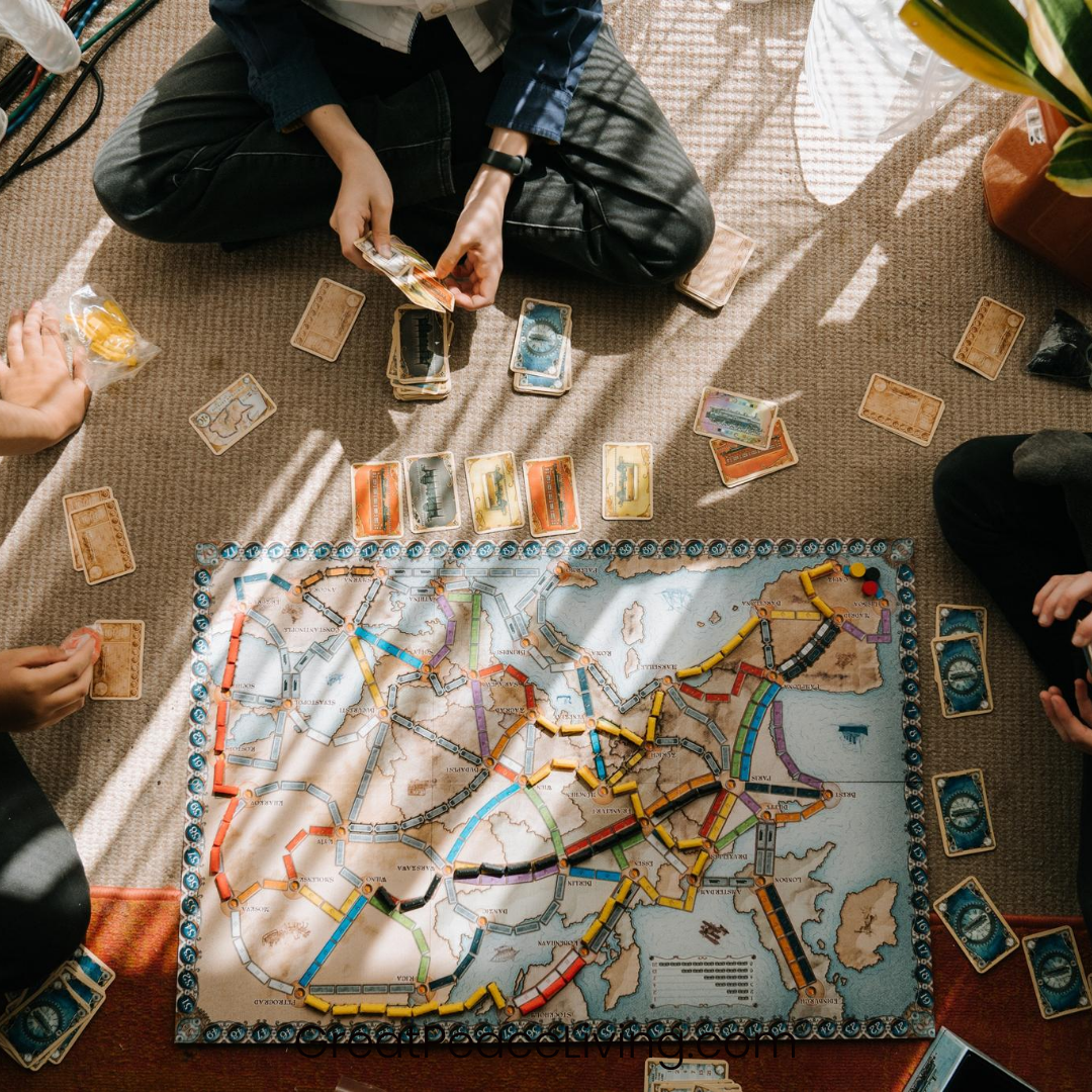 How to Create a Memorable Family Game Night | GreatPeaceLiving.com #family #gamenight
